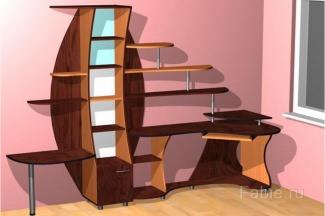 Необычный компьютерный стол с полками