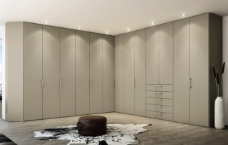 Шкаф распашной на заказ по индивидуальному проекту в Москве