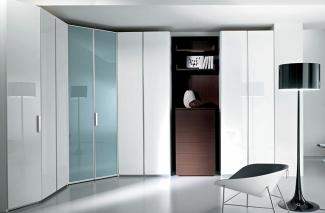 Шкаф распашной современный на заказ по индивидуальному проекту в Москве